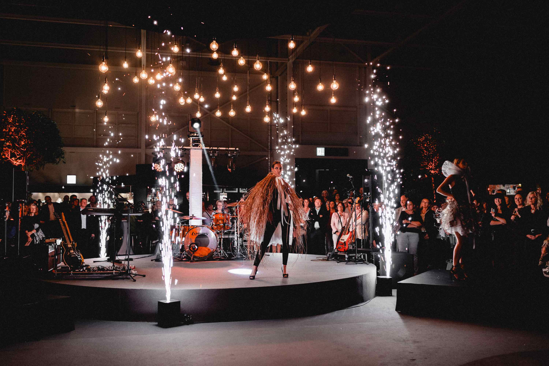 Klangfein Hannover - Lightshow | Bühnenshow | Messe | INFA | IAA | Lichttechnik | Tontechnik | Leihen | Mieten