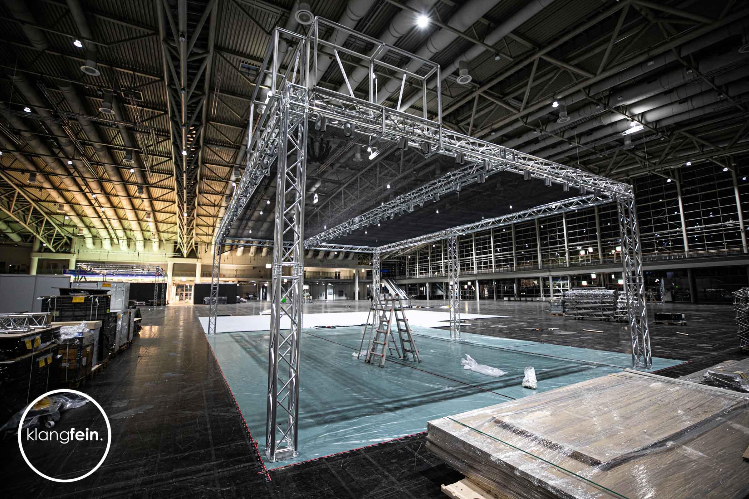 Messebau   Hannover   Frankfurt   Hamburg   Construcion   Plannung   Flooring   Transport   Light   Sound   Truss